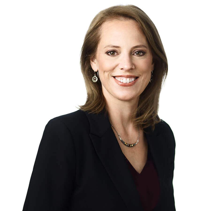 Jennifer Machum, Fidelis Law/Droit Business Manager